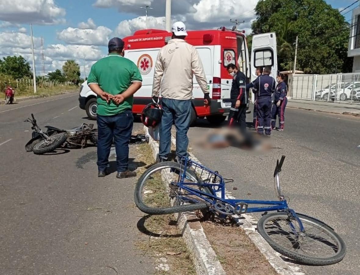 Idoso morre após ter bicicleta atingida por moto em Mossoró
