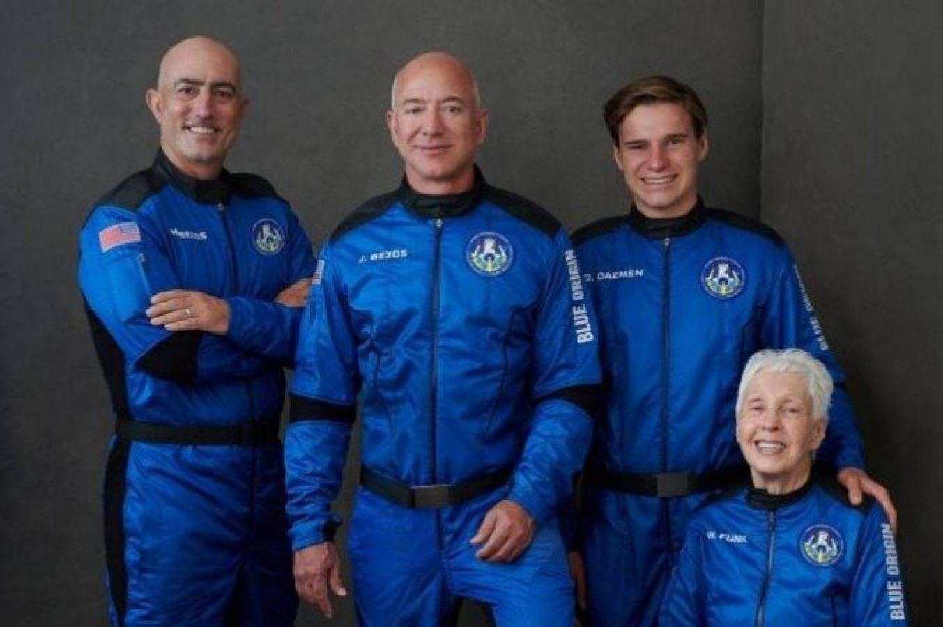 Bilionário Jeff Bezos viaja ao espaço; acompanhe ao vivo