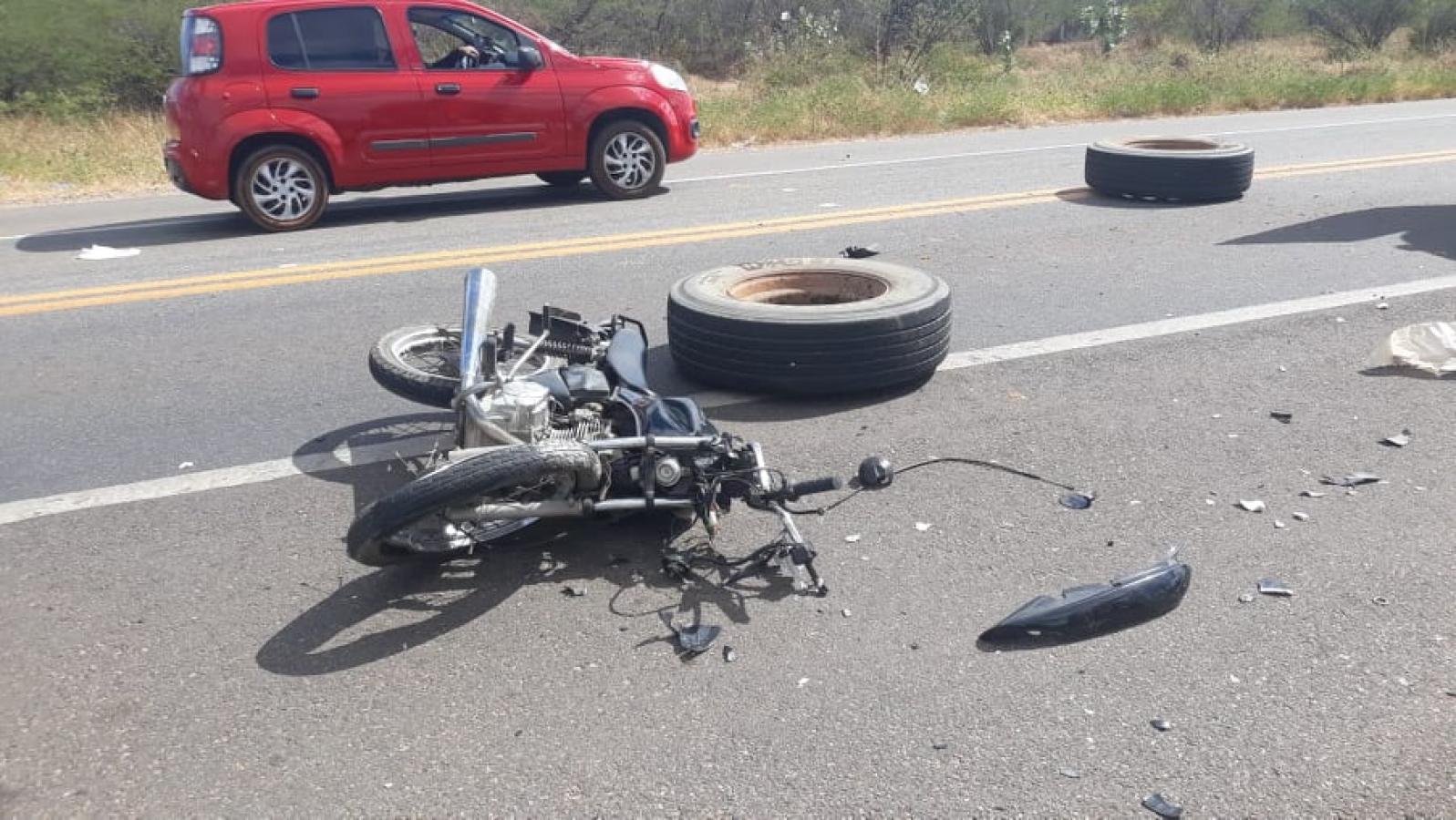 Motociclista morre após ser atingido por pneus de carreta em Mossoró