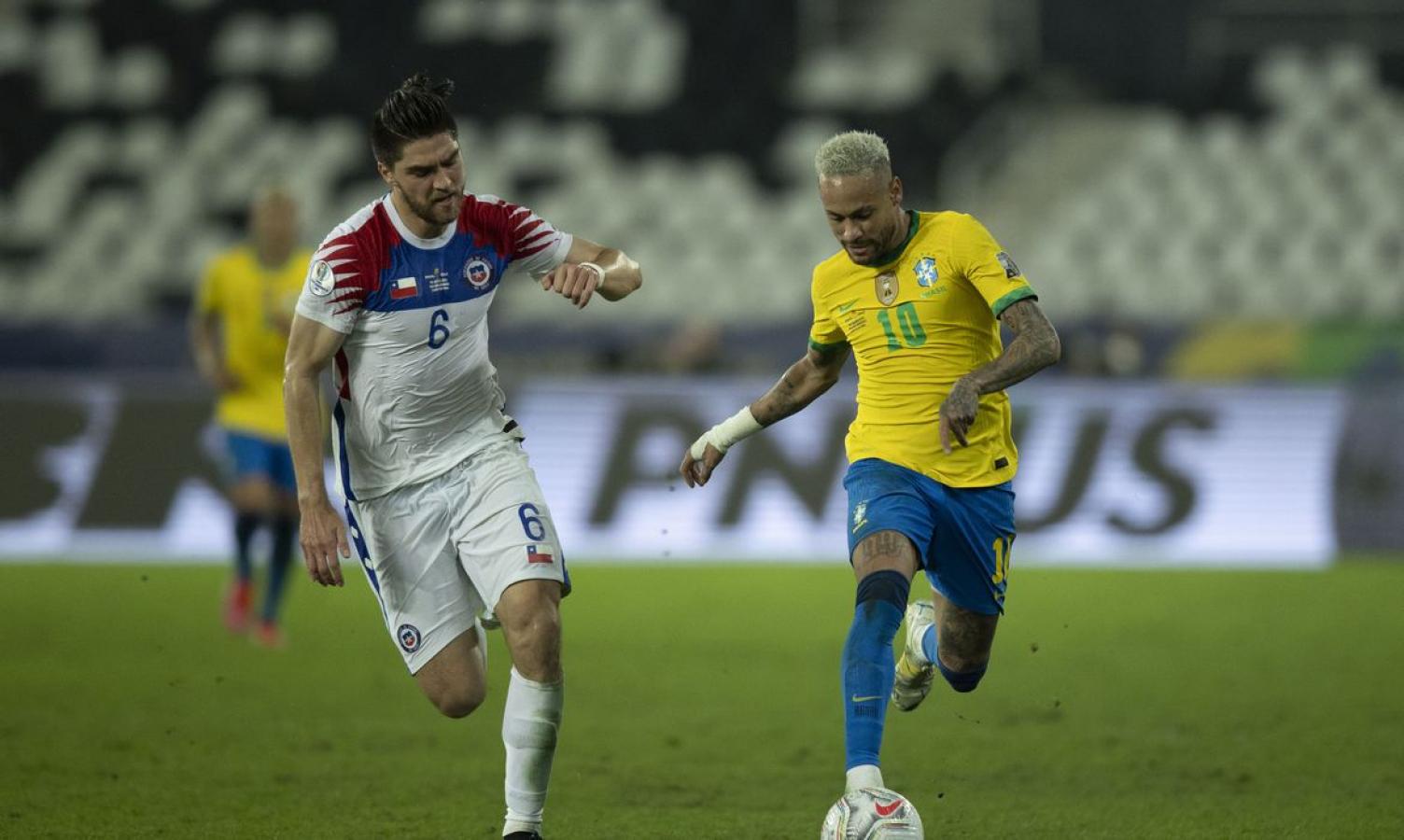 Brasil enfrenta Chile em Santigo pelas Eliminatórias da Copa do Catar