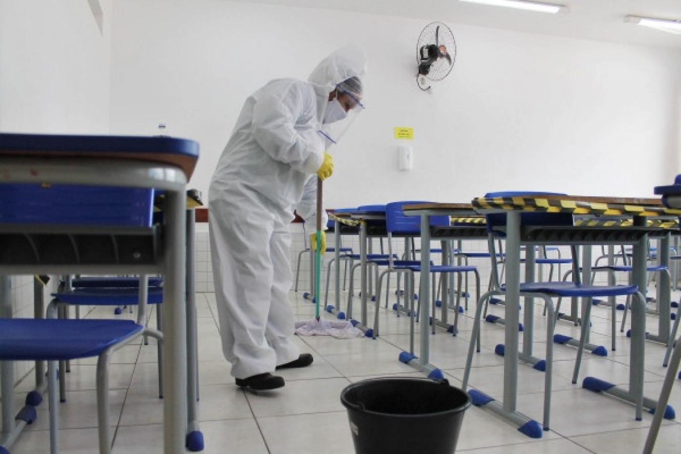 Escola de Mossoró suspende aulas presenciais após suspeita de Covid em aluno e professora
